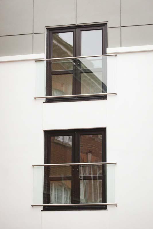 Balcony Design London: Glass Juliet Balcony: Frameless, Metal Railings